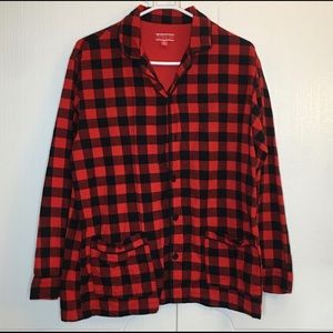 Casual button down flannel shirt red/black Size M